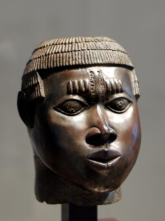 Benin_bronze_Louvre_A97-14-1