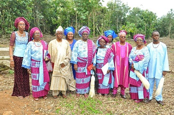 Mamas children, some grandchildren and spouses