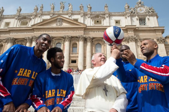 popeFrancis meets trotters